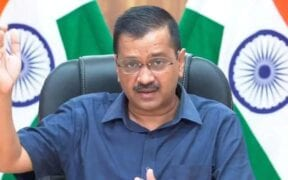 Kejriwal insulted the tricolor